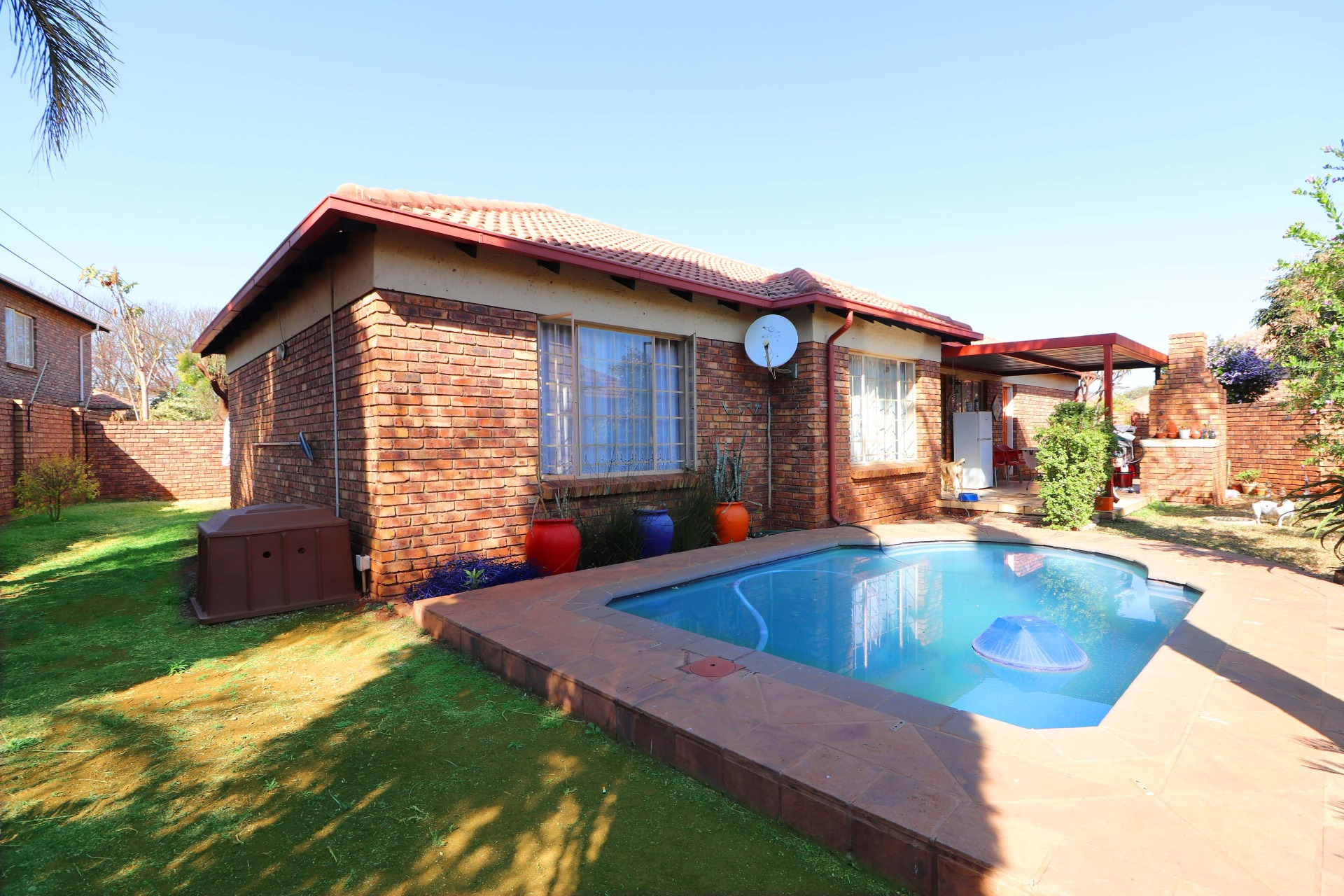3 Bedroom Townhouse in The Popular Highveld Estate