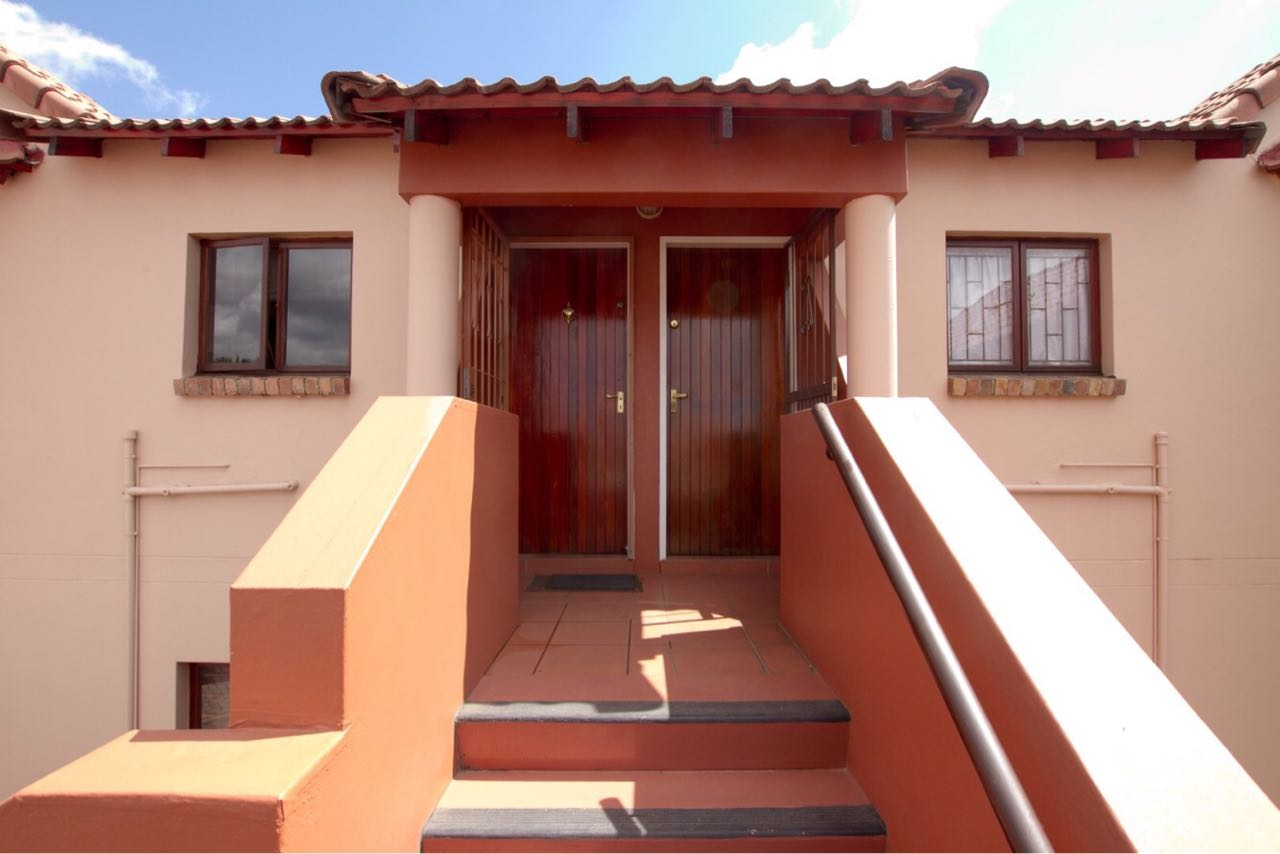2 BedroomTownhouse For Sale In Northwold