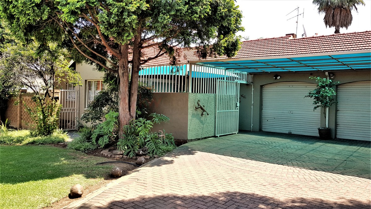 3 Bedroom House for sale in Verwoerdpark ENT0086373 : photo#1