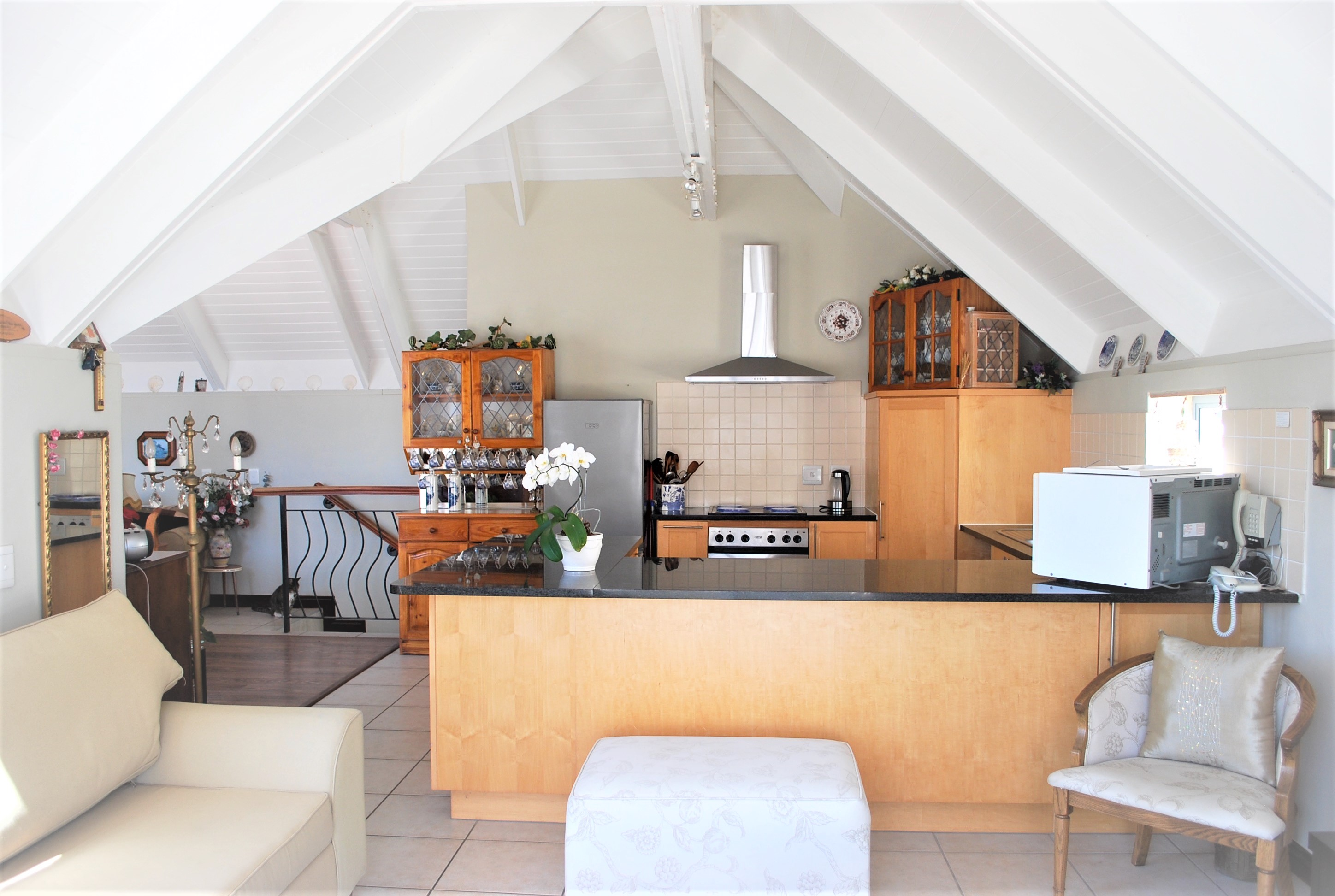 This beautiful home offers incredible views and tranquil seaside living, in the Kingshaven Estate.
