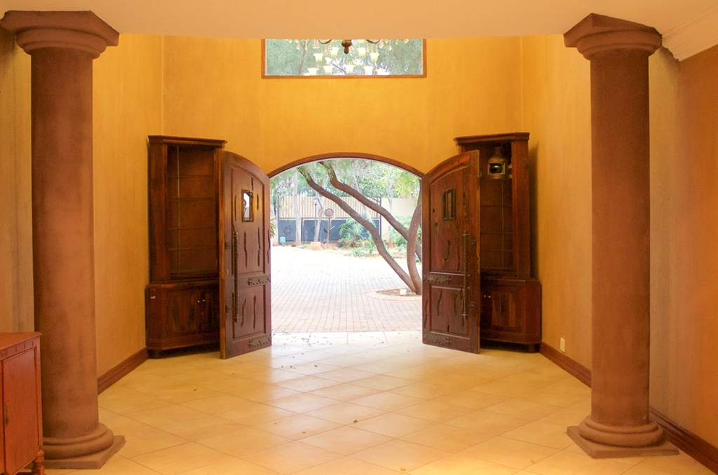 4 BedroomHouse For Sale In Westlake