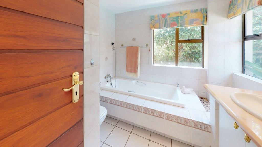 NEW-LISTING-BY-MARISKA-HAMEL-Bathroom.jpeg