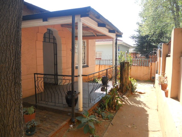 3 Bedroom House for sale in Bezuidenhouts Valley ENT0056962 : photo#0