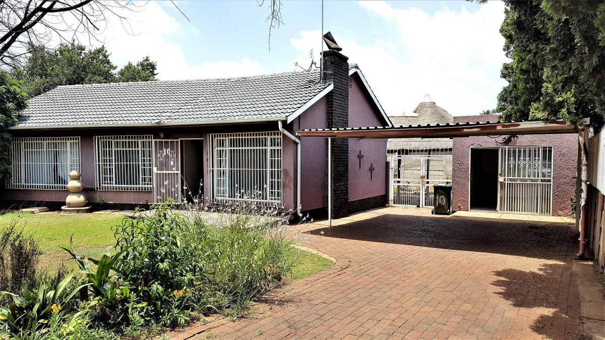3 Bedroom House for sale in Verwoerdpark ENT0079258 : photo#0