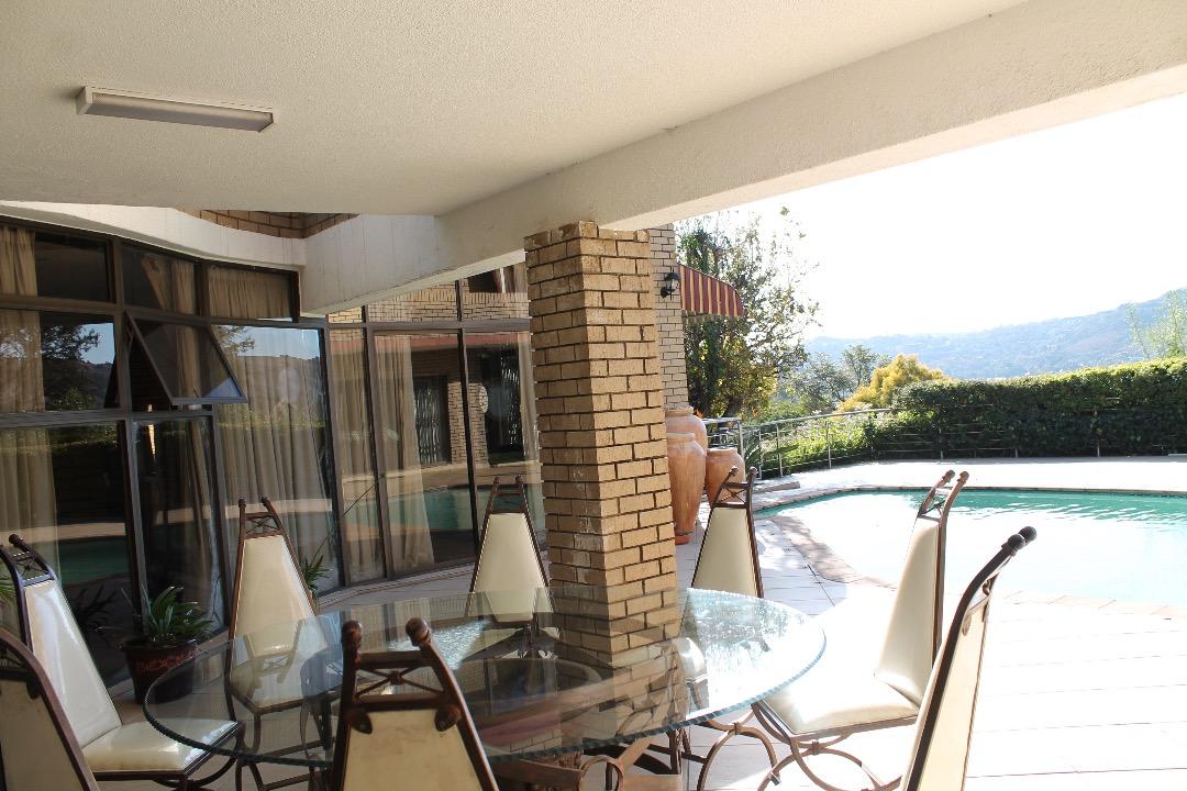 Scenic Large Luxury home