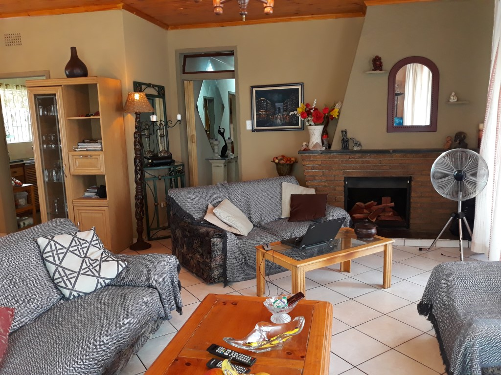 3 Bedroom House for sale in South Crest ENT0083788 : photo#5