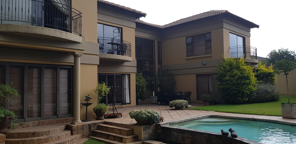 5 BedroomHouse For Sale In Aerorand