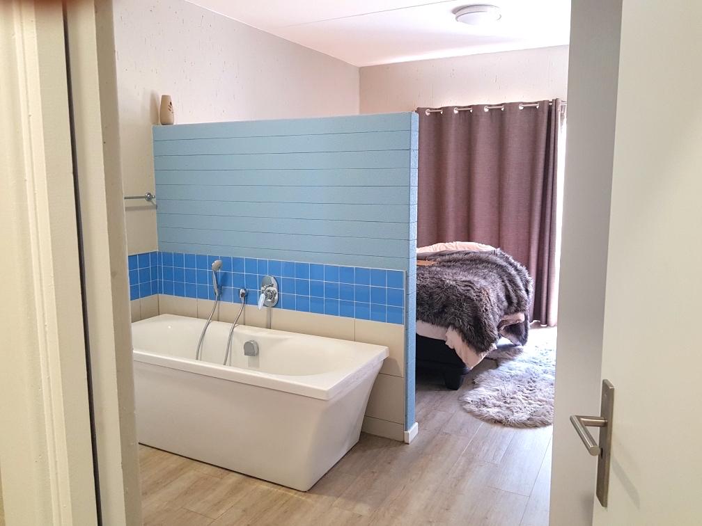 2 BedroomApartment To Rent In Paulshof
