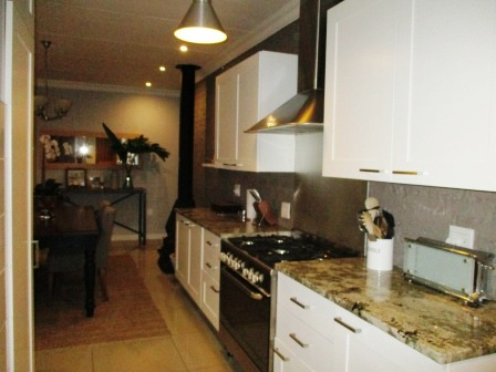 3 Bedroom House for sale in Clubview ENT0023287 : photo#9