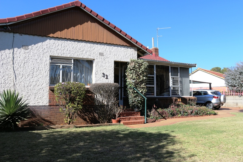 4 BedroomHouse For Sale In Hurlyvale