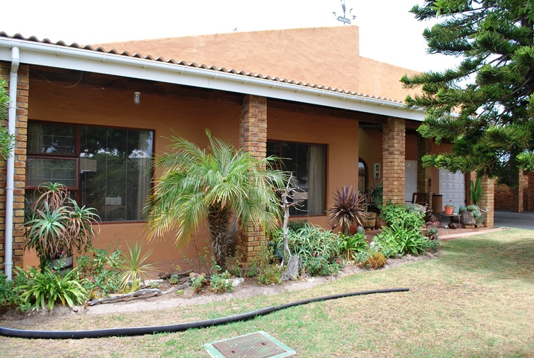 4 BedroomHouse For Sale In Franskraal
