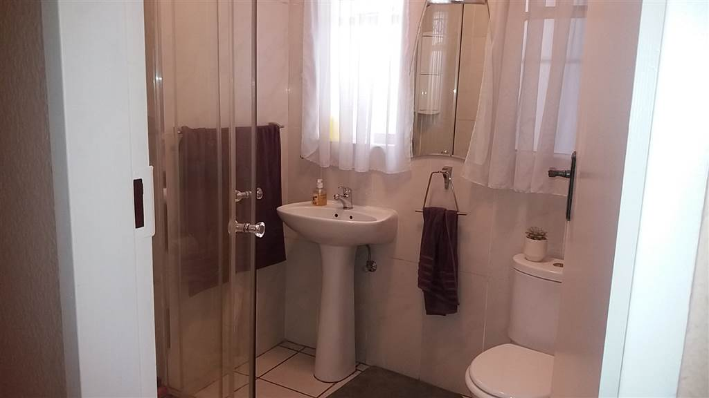 3 Bedroom House for sale in South Crest ENT0081637 : photo#11