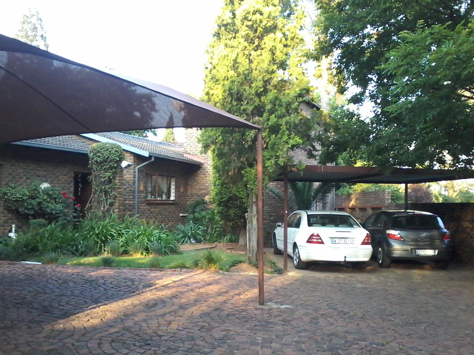4 BedroomHouse For Sale In Halfway Gardens & Ext