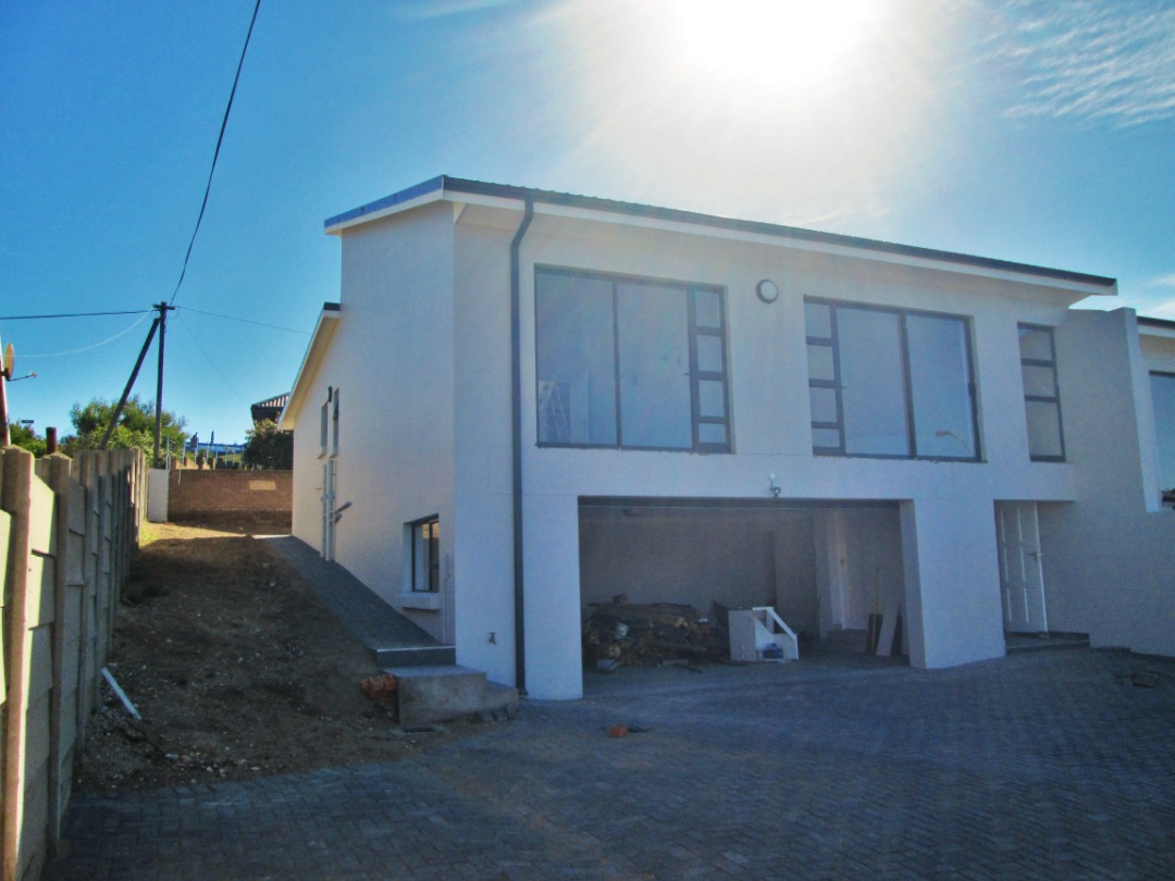 Brand new 3 Bedroom Duet house is now for sale in Dana Bay, Mossel Bay.