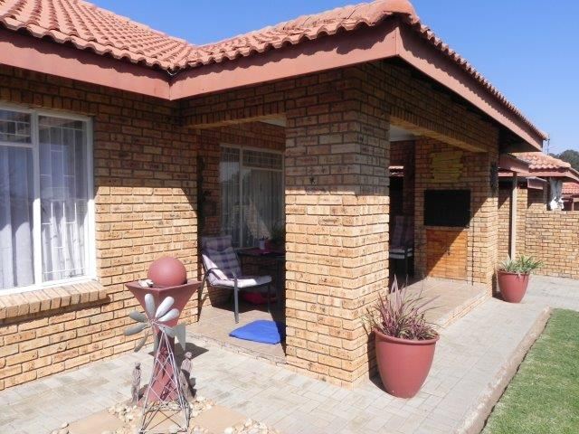 2 BedroomTownhouse For Sale In Parys