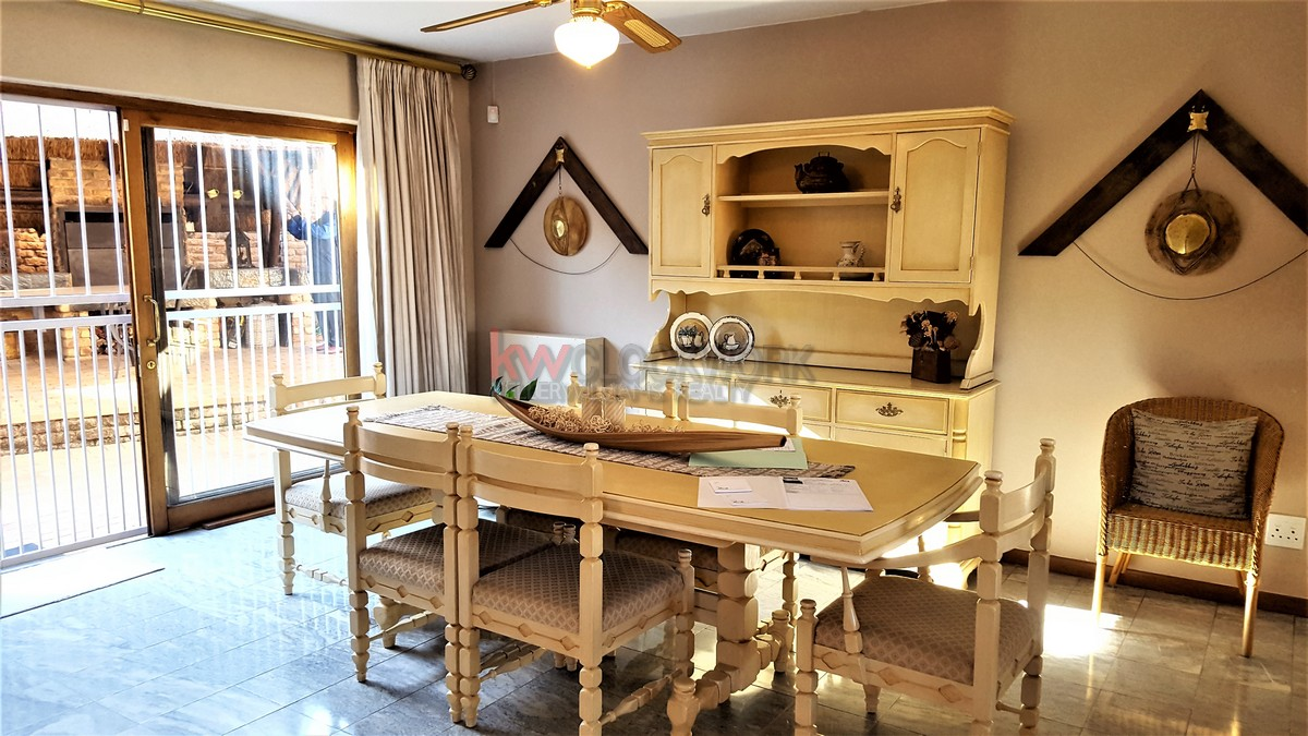 3 Bedroom Townhouse for sale in Bassonia ENT0044188 : photo#4