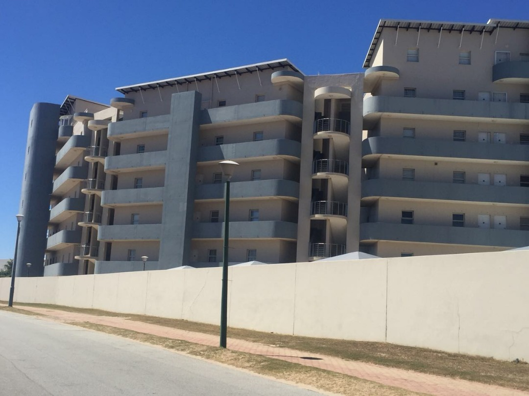Beautiful 2 bedroom 1 bathroom apartment with carport in Diaz on the Garden Route is now up for sale