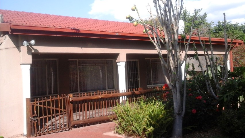 4 BedroomHouse For Sale In Elandsrand