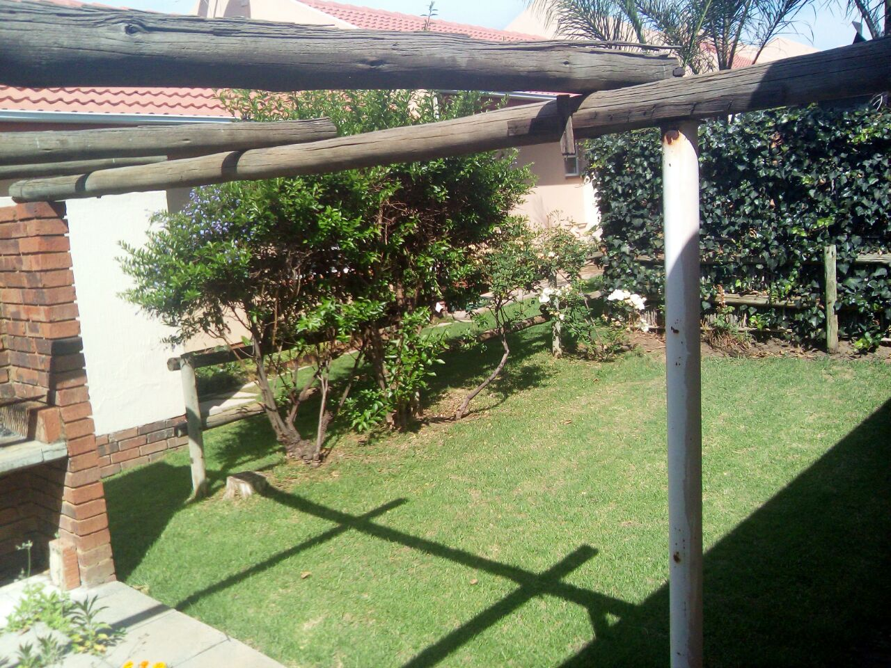 2 Bedroom Townhouse for sale in Sunninghill ENT0074719 : photo#4