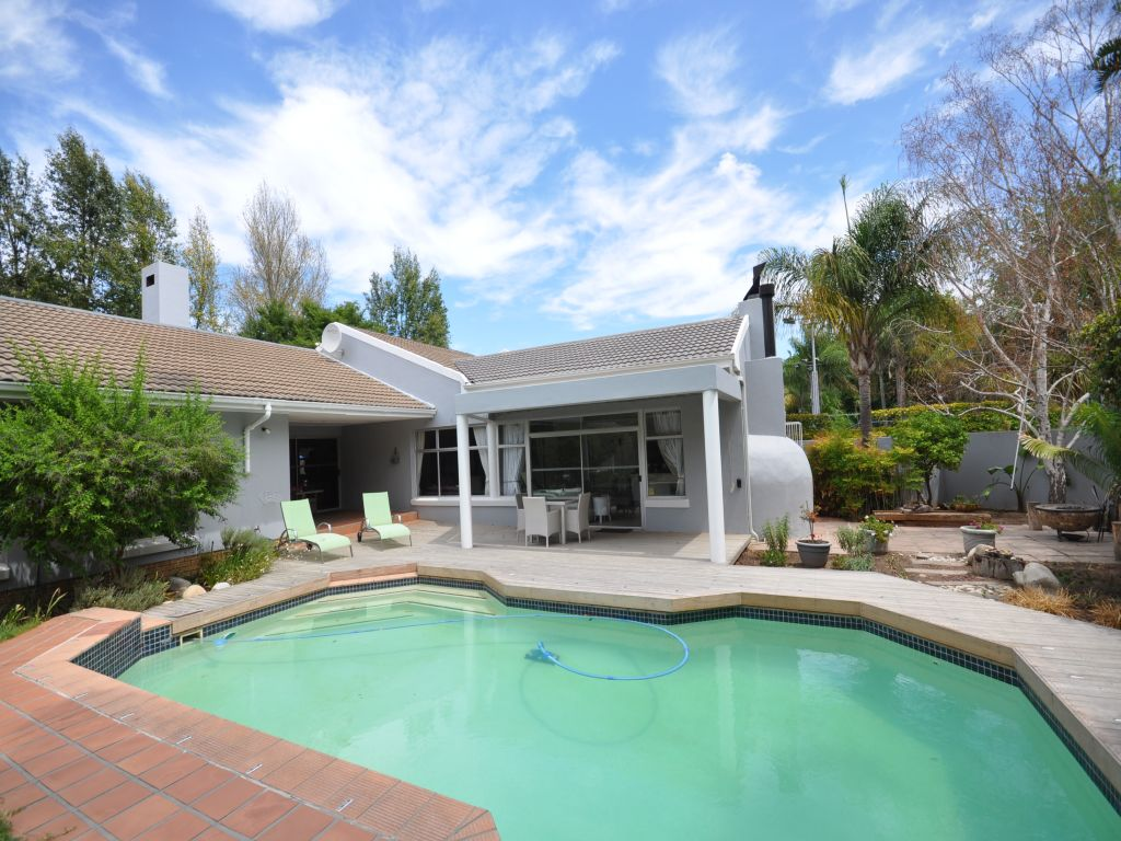 4 BedroomHouse For Sale In Die Boord